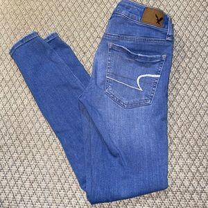 Light wash AEO Short jeans